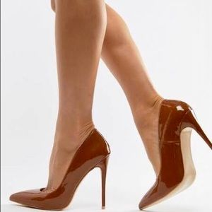 Simmi London Coffee Patent Leather Pump